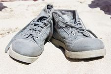 Free Shoes On The Sand Royalty Free Stock Images - 21101179