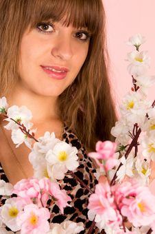 Free Girl With Flowers Stock Photography - 21101822