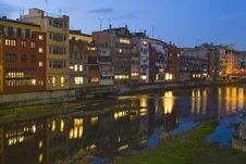 Free Girona In Twilight Royalty Free Stock Photography - 21101827