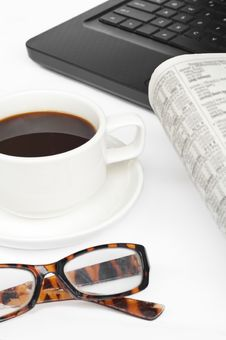 Free Coffee,newspaper And Notebook Royalty Free Stock Images - 21102799