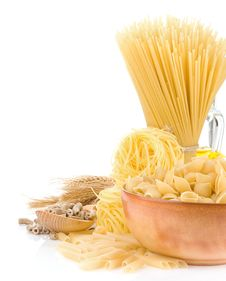 Free Pasta And Wooden Plate Stock Images - 21105074