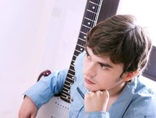Free Guy With A Guitar Stock Photo - 21106160