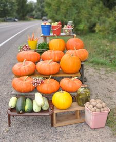 Free Trade In Vegetables At Road Royalty Free Stock Image - 21106346