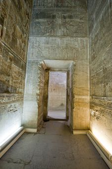 Free Doorway Inside An Ancient Egyptian Temple Stock Image - 21108011