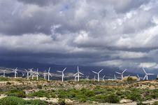Free Wind Turbines Stock Image - 21108661