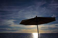 Free Umbrella Beach Sea Sky Beautiful Silhouette Royalty Free Stock Image - 21108866