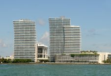 Free Waterfront Apartments In Miami Royalty Free Stock Image - 21109306
