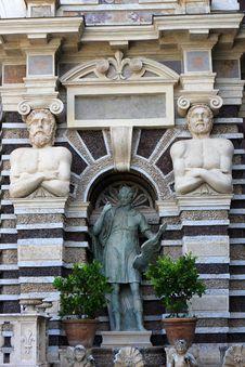 Free Organ Fountain, Tivoli Stock Photos - 21114073
