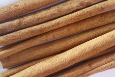 Free Cinnamon Sticks Royalty Free Stock Photos - 21114658