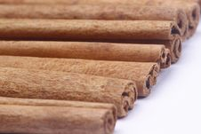Free Cinnamon Sticks Royalty Free Stock Images - 21114779