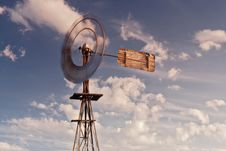 Free Australian Windmill Royalty Free Stock Images - 21115629
