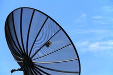 Free Satellite Dish Royalty Free Stock Photos - 21117588