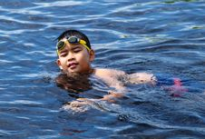 Free Asian Boy Swimming Stock Image - 21126701
