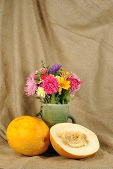 Free The Autumn Flowers And Orange Melon Stock Photo - 21129830