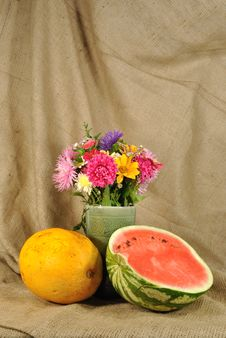 Free The Autumn Flowers And Melon Royalty Free Stock Photography - 21130197