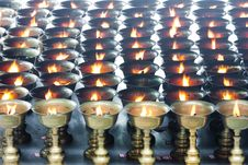 Free Buddhist Butter Lamps In Temple Royalty Free Stock Photography - 21130367