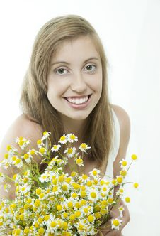 Free Young  Smiling Brunette With Daisy Stock Photos - 21131163
