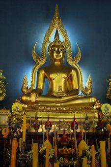 Free Buddha Statue. Royalty Free Stock Photography - 21131547