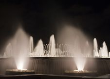 Free Magic Fountain Royalty Free Stock Photo - 21132045