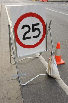 Free Speed Limit Stock Photography - 21143352