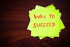Free Way To Succeed On Yellow Sticky Note Stock Image - 21143601