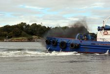 Free Fumes From A River Shannon Tug Boat Royalty Free Stock Image - 21143616