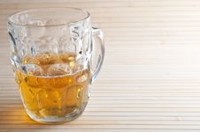Free Fresh Glass Of Beer Royalty Free Stock Photos - 21143678