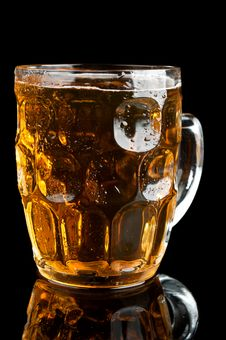 Free Fresh Glass Of Beer Stock Image - 21144131