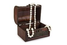 Free Treasure Chest With Pearls Stock Image - 21144381