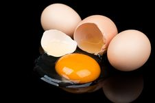 Free Broken Egg Royalty Free Stock Photography - 21144637