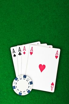 Free Four Aces And Poker Chips Royalty Free Stock Images - 21145379