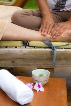 Free Body Massage Stock Photos - 21149473