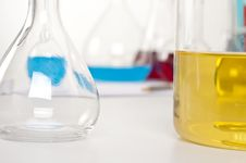 Free Laboratory Items, Flask With Yellow Liquid Royalty Free Stock Photography - 21151837