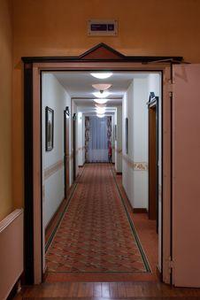 Free A Long Corridor Royalty Free Stock Photos - 21156848