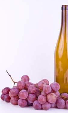 Free Grapes With Bottle On White Stock Image - 21158201