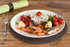 Free Roast Fish Fillet On The Plate Royalty Free Stock Photo - 21159955
