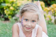 Free Beautiful Girl With Flower Paining On Her Face Stock Photo - 21161820