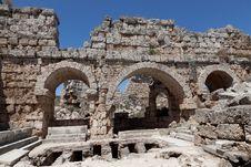Free Ancient Ruins Perge Turkey Stock Photo - 21165450