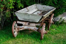 Free Old And Used Wagon Standing Near Bushes Royalty Free Stock Images - 21166339