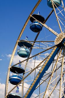Free Ferris Wheel Blue Cars, Blue Sky White Clouds Royalty Free Stock Photography - 21169867