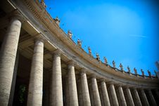 Free Bernini`s Colonnade Royalty Free Stock Photos - 21170368