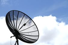 Free Black Satellite Dish Stock Image - 21174351