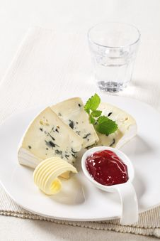 Free Blue Cheese Royalty Free Stock Photography - 21179087