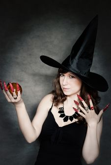 Free Witch With Crystal Ball In Hand Stock Photo - 21185420