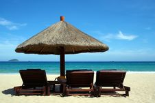 Free Beautifu Beach With Chairs And Sun  Umbrella Royalty Free Stock Photography - 21189477