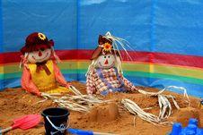 Free Scarecrows On The Beach Royalty Free Stock Photos - 21198968