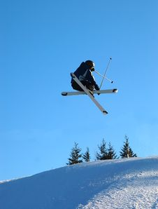 Free Skiier In The Air Royalty Free Stock Photography - 2129807