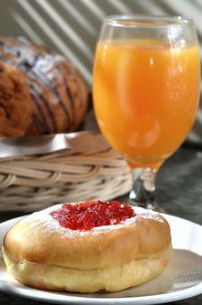 Free Strawberry Bread And Orange Juice Stock Photography - 21202802
