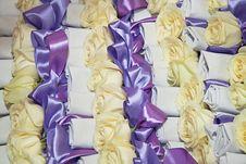 Free Many White Rose With Ribbon Royalty Free Stock Photo - 21204255