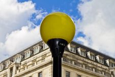 Free Yellow Lamppost Stock Images - 21207784
